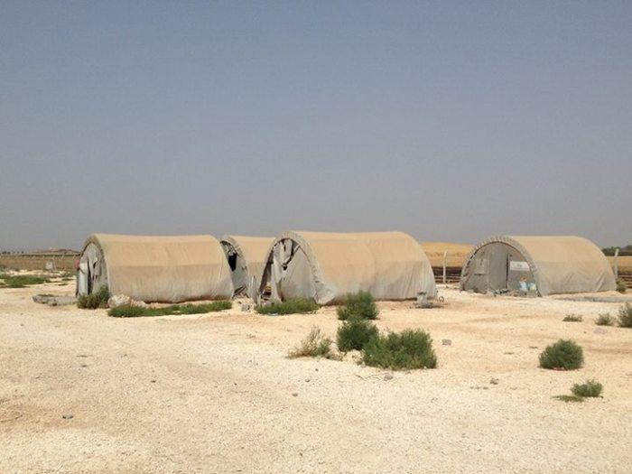 Efficiënte, geïsoleerde tenten. Opgezet op een paar dagen tijd.