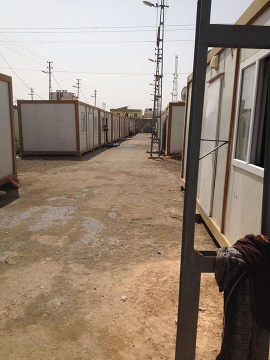 Het Vluchtelingenkamp der Martelaren: containers met individueel sanitair en electriciteit per container. Opgebouwd in enkele weken tijd.